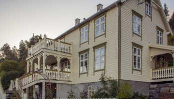 Hus i Holmeide